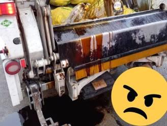 """Huisvuilophalers woedend: """"Motorolie hoort niet in de gele huisvuilzak"""""""