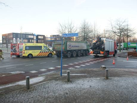 Voetganger gewond door aanrijding met vrachtwagen in Ede
