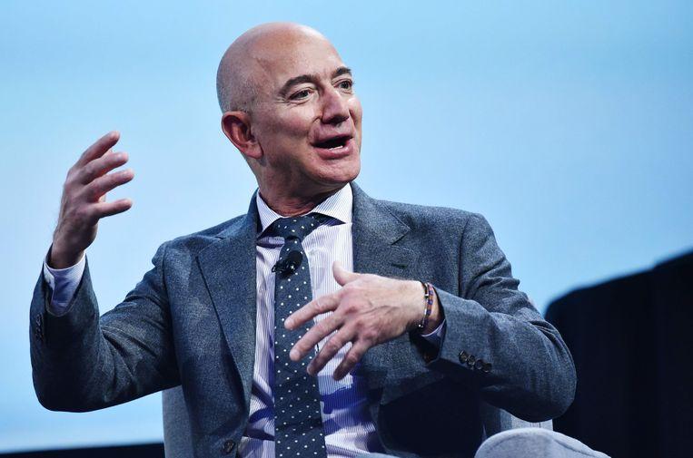 Miljardair Jeff Bezos richtte zich specifiek tot horecapersoneel dat tijdelijk niet kan werken.