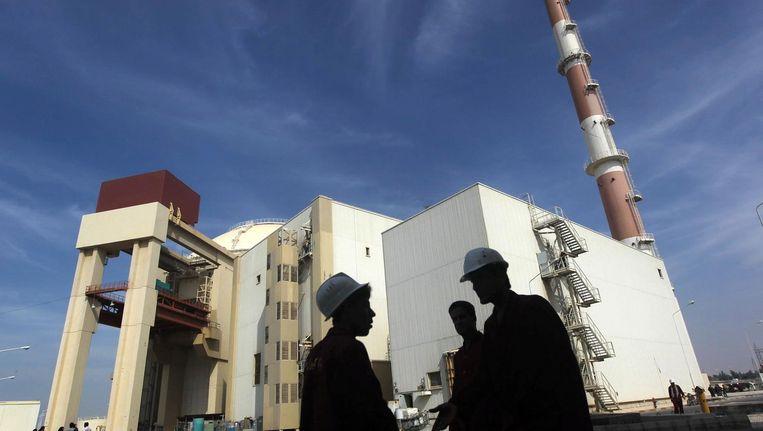 Iraanse medewerkers voor een nucleaire installatie in Bushehr in 2010. Beeld reuters