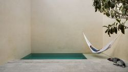 Amper buitenruimte, maar toch een tuintje én zwembad