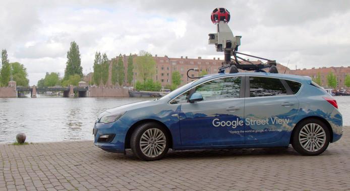 De auto's van Google Street View rijden tóch al door de stad. Nu nog op benzine, maar daar wordt aan gewerkt.
