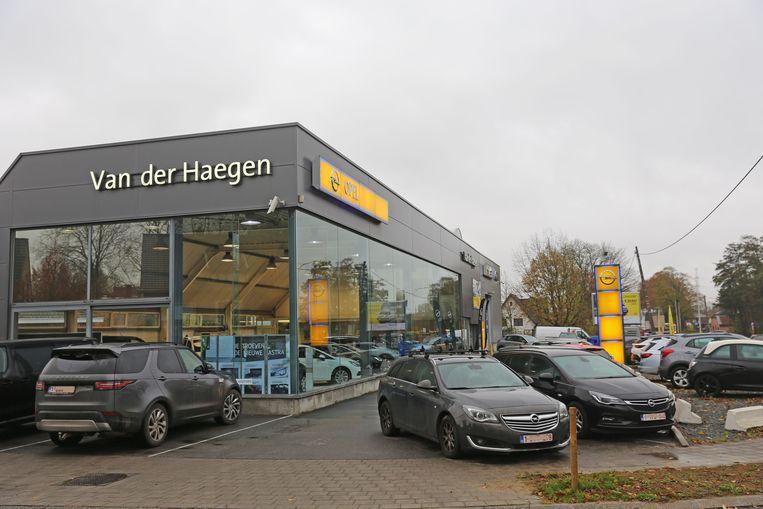 De garage van de familie Van der Haegen langs de Brusselsesteenweg in Walfergem.