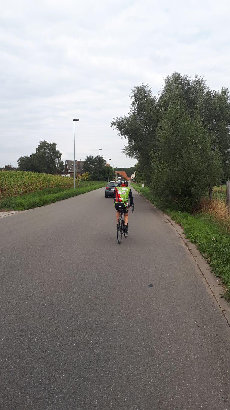 Op veel plaatsen ontbreken nog fiets- en voetpaden
