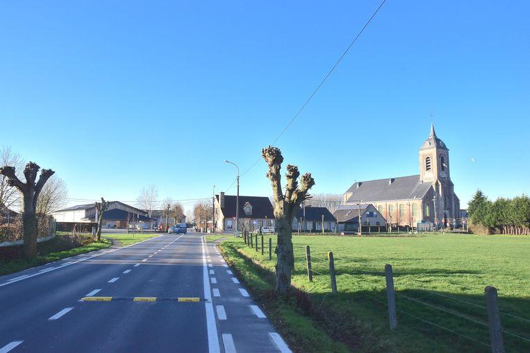Ook een drempel moet het verkeer afremmen in de Wevelgemstraat in Ledegem.