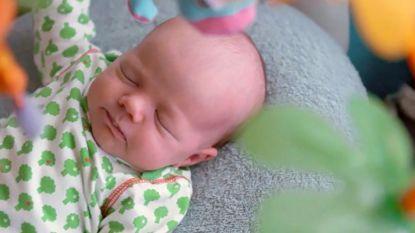 Nicolas en Evelien krijgen babybezoek van de andere 'Blind Getrouwd'-koppels