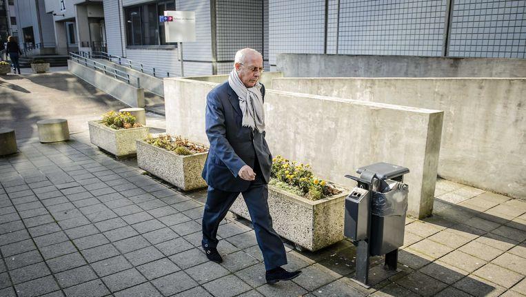 Ex-topman van woningcorporatie Rochdale, Hubert Mollenkamp, arriveerde dinsdagmorgen bij de rechtbank van Amsterdam. Beeld anp