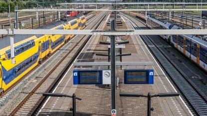 Passagiers filmen en fotograferen bij dodelijk treindrama in Nederland