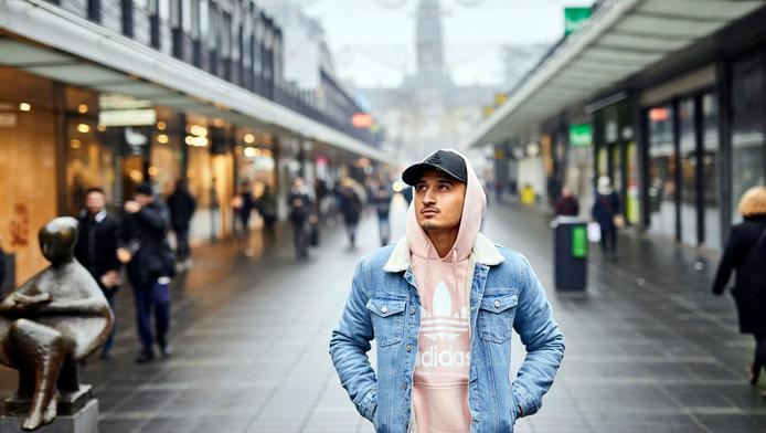 Nesim 'Najih' el Ahmadi op de Lijnbaan in Rotterdam.