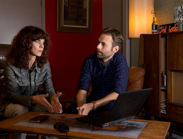 Wetenschapsredacteur Ellen de Visser in gesprek met chef Tonie Mudde Beeld Pauline Niks