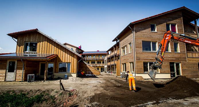 Een appartementencomplex in Strowijk, een wijk met sociale huurwoningen die zijn opgetrokken uit stro, leem en hout.