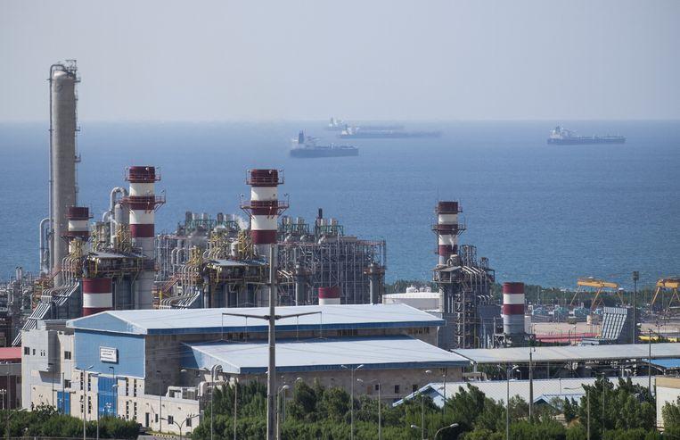 Gaswinningsproject van South Pars, het grootste natuurlijke gasveld ter wereld.  Beeld REUTERS