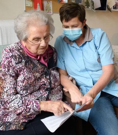 950 Twentse ouderen volgende week vervroegd gevaccineerd: 'Zo fijn'