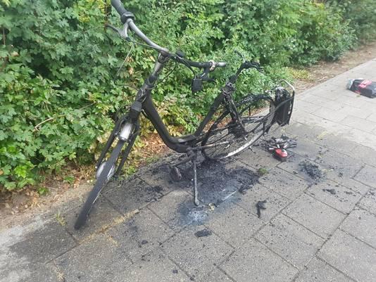 In augustus ontplofte de accu van de fiets van Henk Smits uit Wijchen.