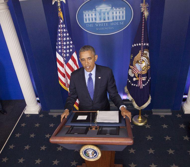President Obama geeft een verklaring over de inzet van 300 militaire adviseurs in Irak. Beeld ap