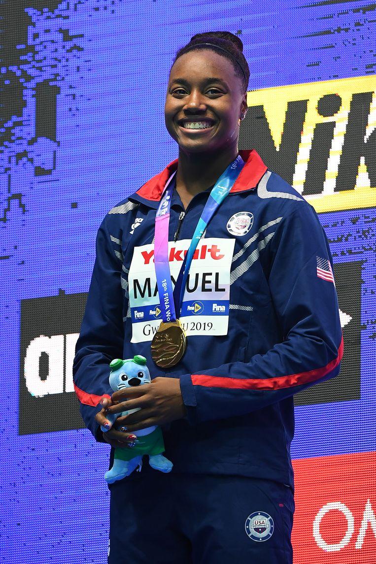 De Amerikaanse winnares Simone Manuel van de 100 meter vrije slag. Beeld Getty Images