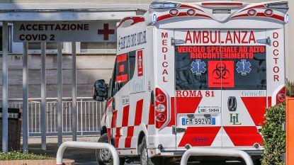 Italiaanse leraar (58) geeft les online: hij hoest twee keer en valt dood, terwijl leerlingen toekijken
