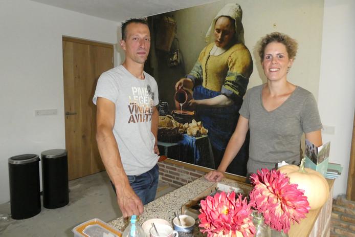 Willem-Jan en Heike van Alphen beginnen zeer binnenkort met dagbesteding voor ouderen op hun zorgboerderij Het Kleine Bos.