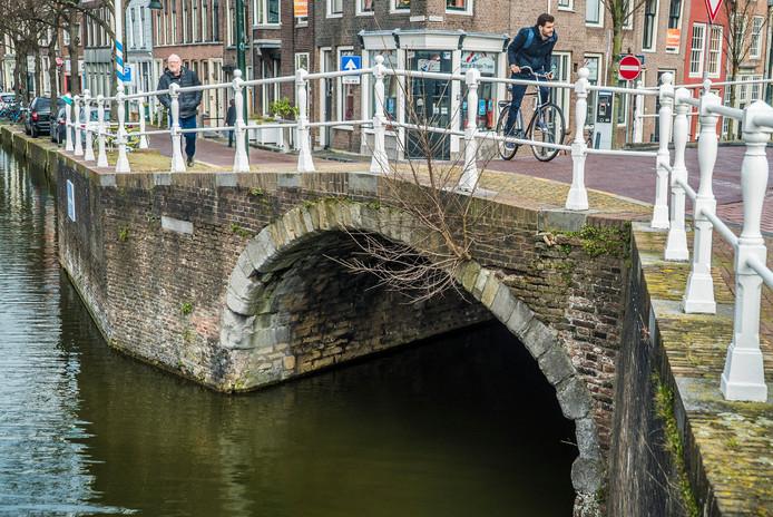 De Hoogbrug naar de Lange Geer.