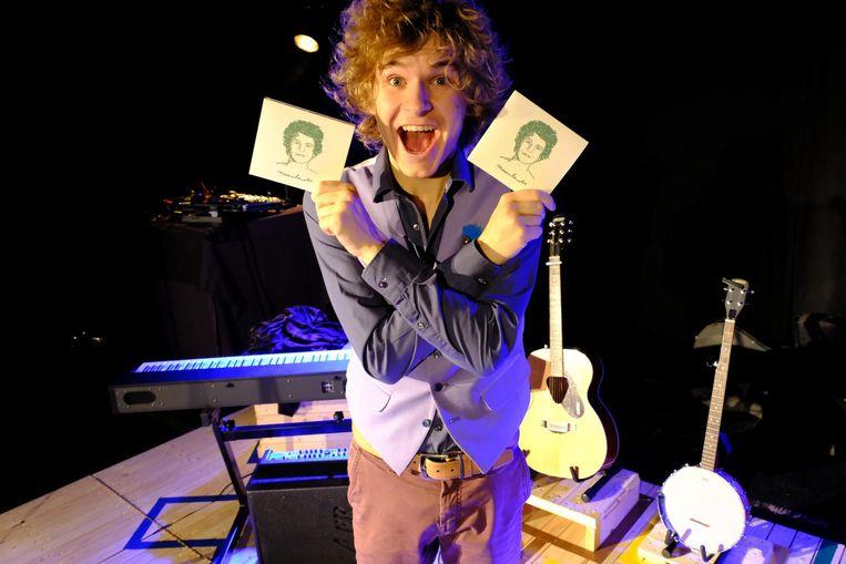 Lander Severins is zeer enthousiast over zijn debuutalbum 'Maanlander'.