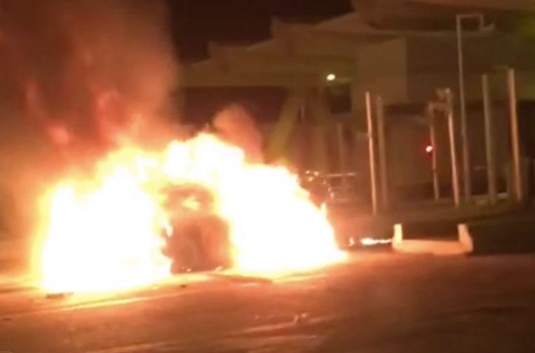 Meteen na de klap vlogen beide voertuigen in brand.