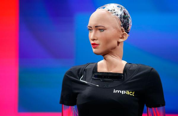 Robot met **menselijke trekken** schrikt juist af: 'Ze zijn griezelig en maken ons ongemakkelijk'