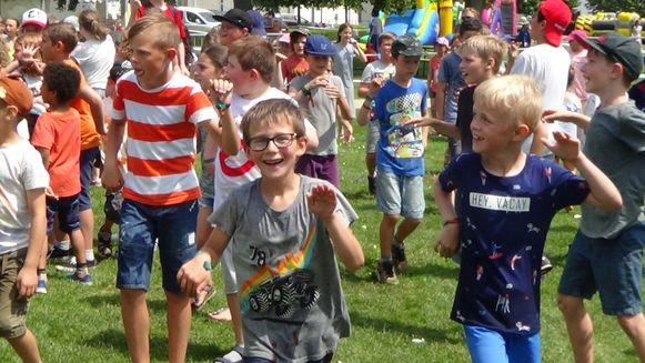 De kinderen genoten volop van de optredens