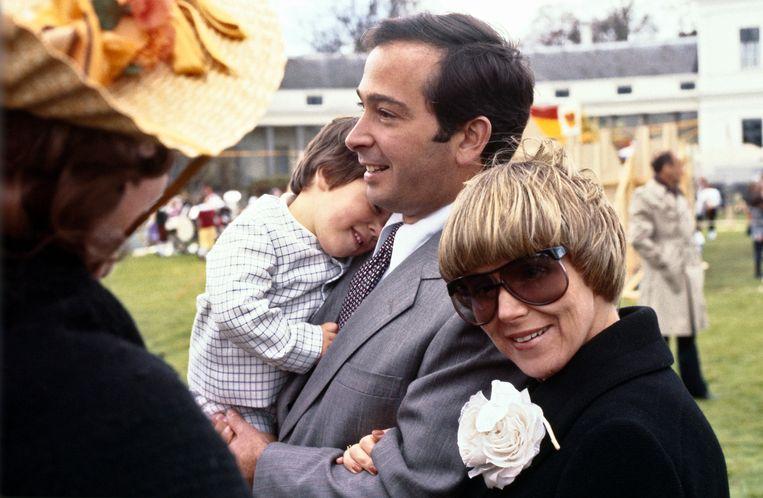 Christina met man Guillermo en zoon Bernardo, 1979. Beeld ANP