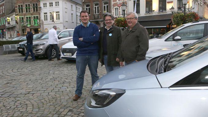 Stad showt hybride en elektrische wagens