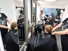Kapsters uit Twenterand vinden salons in winkelcentra belangrijk