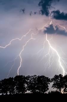 L'alerte orage maintenue jusqu'à 22 h, des dégâts à Charleroi