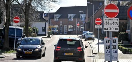 Kans terugdraaien eenrichtingsverkeer Molenstraat Goor lijkt klein