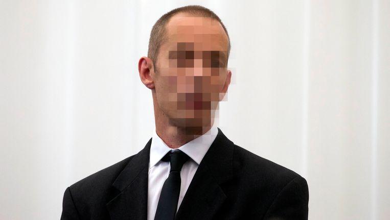Van Overschelde staat terecht voor de moord op zijn vrouw en vriendin.