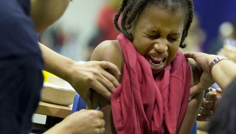 Alle achtduizend 9-jarigen zijn opgeroepen zich bij de RAI te melden voor de DTP/BMR-prik. Foto ANP Beeld