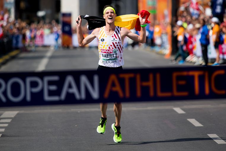 Koen Naert, vlak voordat hij als eerste de finishlijn passeert tijdens het Europees kampioenschap marathon, vorig jaar in Berlijn. Beeld HH