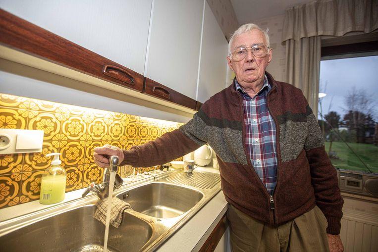 Robert Van Cutsem woont op de eerste verdieping en had al verschillende dagen geen tot weinig water.