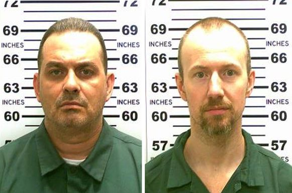 Richard Matt (links op de foto) is vrijdag doodgeschoten. David Sweat (rechts) is nog voortvluchtig.