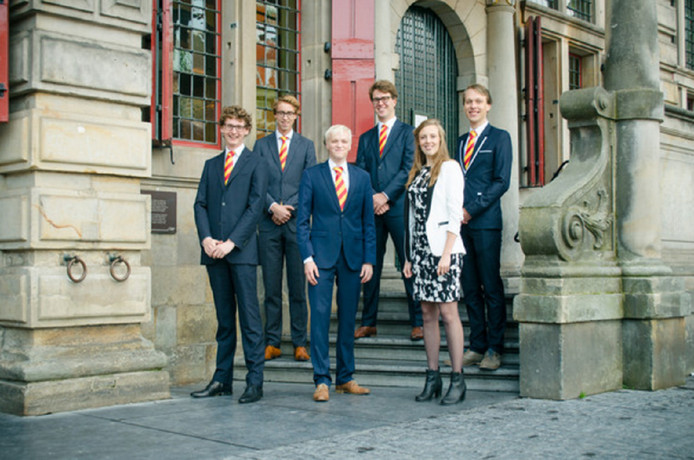 De STIP-fractie ter illustratie: v.l.n.r. Elwin van Beurden, Matthias Floor, Falco Bentvelsen, Twan de Nijs, Michelle Corten en Sybren van der Velde.