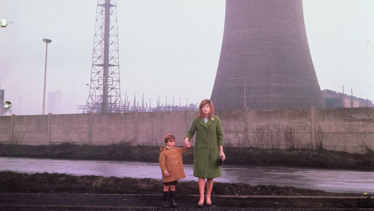 Apocalyptische industrietaferelen in Il deserto rosso, met Monica Vitti in de hoofdrol. Beeld Sergio Strizzi