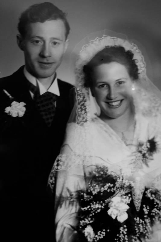 Dora en Harrie van den Nieuwenhof- de Goeij zijn op 13 mei 65 jaar getrouwd.