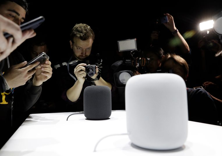 The HomePod speaker wordt gefotografeerd. Beeld AP