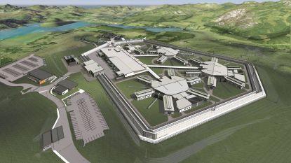Ramen met horizontale tralies en drie lagen beveiliging: de vernieuwde gevangenis waar de Australische terrorist vastzit