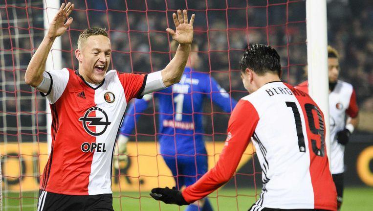 Feyenoord-spelers Jens Toornstra en Steven Berghuis vieren de 1-0 . Beeld anp