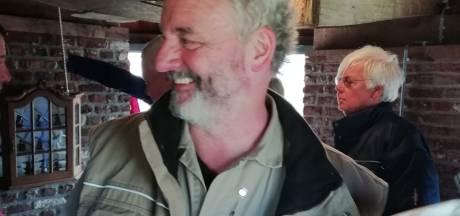 Hilvarenbeek heeft er een mulder bij, Ton Sleegers naast imker nu ook officieel molenaar
