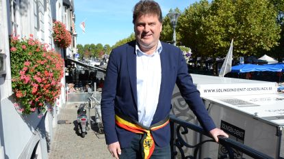"""Burgemeester Anthuenis lanceert petitie voor confederalisme: """"Geef de Vlaamse en Waalse kiezers wat ze willen"""""""