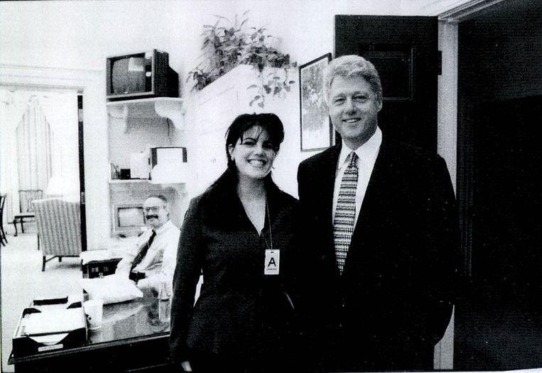 Monica Lewinsky en Bill Clinton in 1998.  Beeld Getty Images
