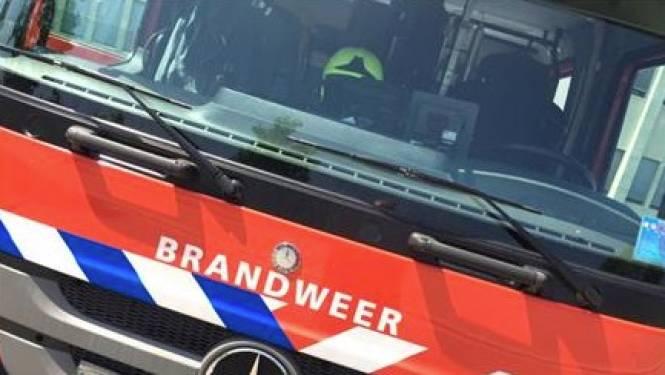 Stevige factuur voor dertiger die stapel afval verbrandde: brandweer dacht aan bedrijfsbrand en rukte massaal uit