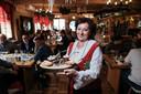 Zofia Kruk-Hassowska in haar Giesbeekse restaurant.