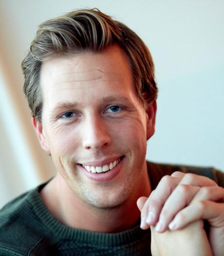 'Hartstikke zieke' tv-bioloog Freek Vonk knapt langzaam weer op