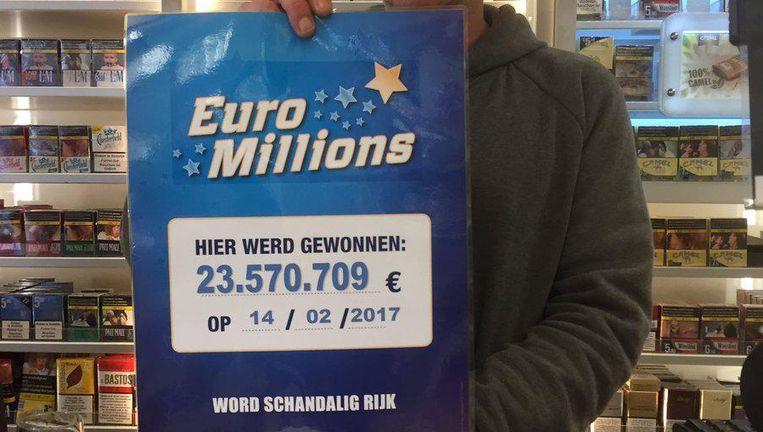 Het winnende biljet werd gekocht bij Peter. Hij baat de krantenwinkel uit op het Stationsplein in Aarschot.